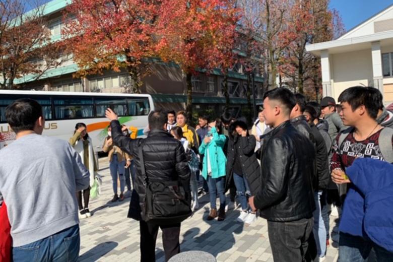 日本語バス送迎